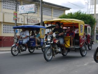 Wacky races in Iquitos
